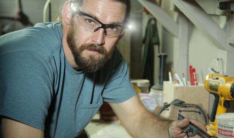 LED Safety Glasses Technician